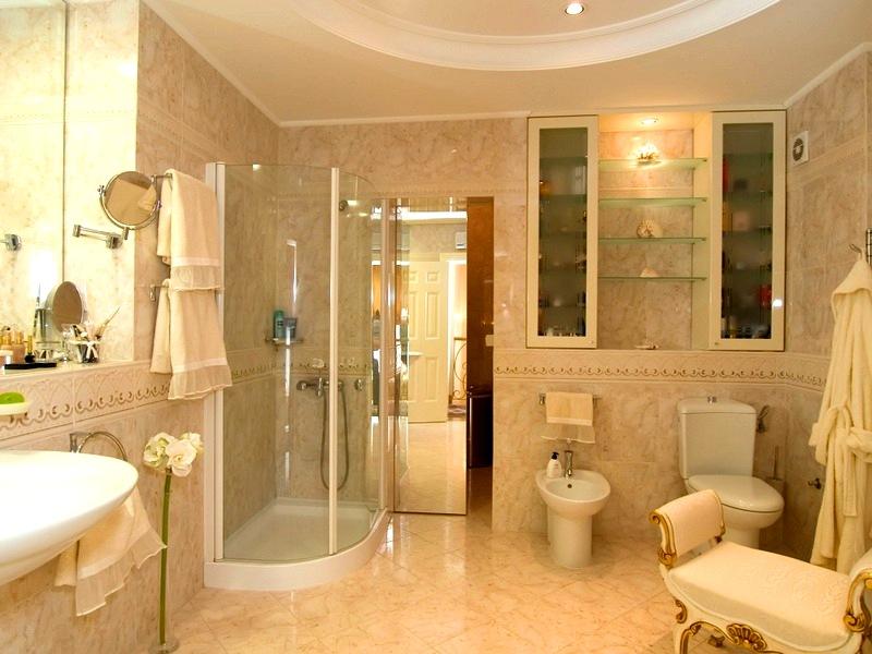 Ванная комната бежевого цвета дизайн фото