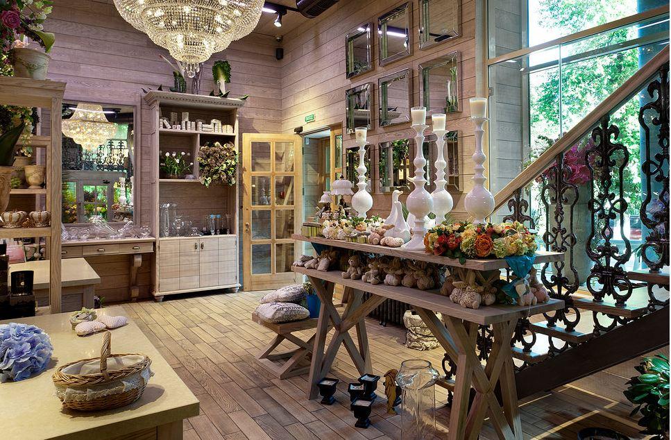 Продажа и производство торговых витрин для игрушек