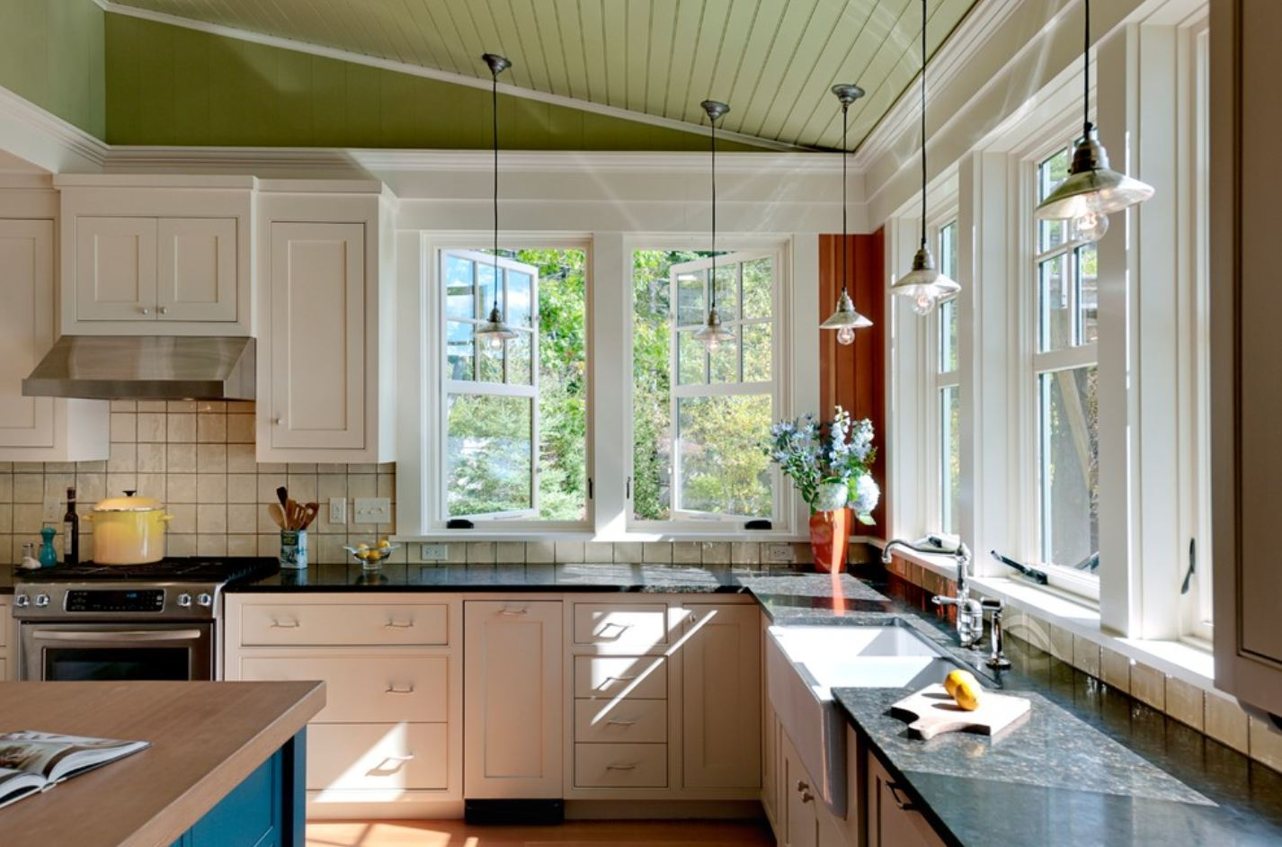 Кухня 2 окна дизайн