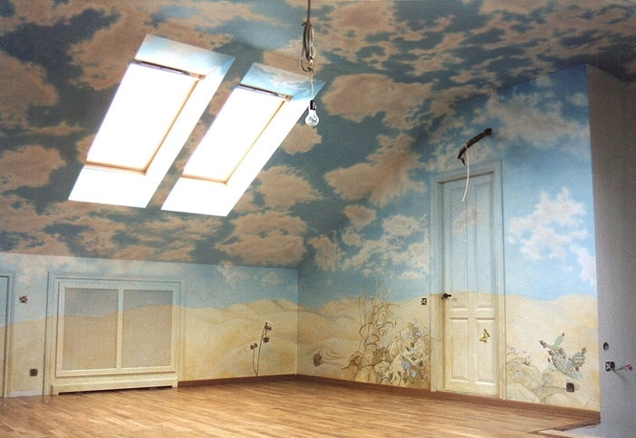 Как отделывают скошенные натяжные потолки