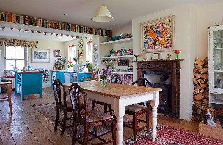 Дизайн интерьера деревенского дома фото