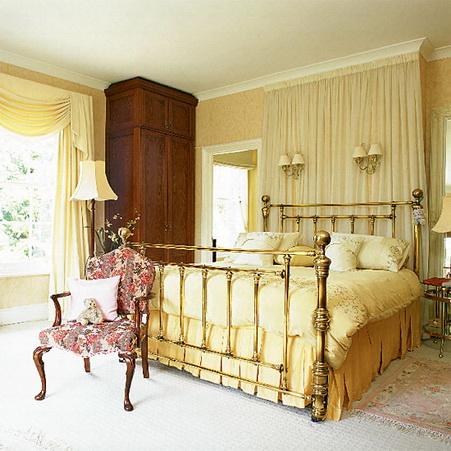 спальня в золотом цвете