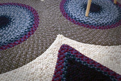 оригинальный коврик ручной работы