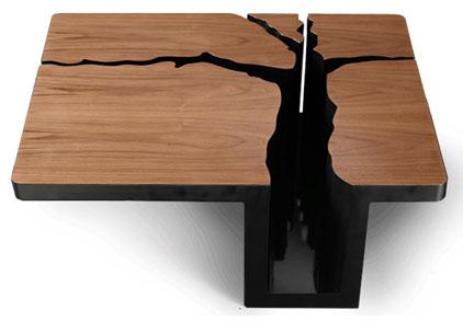 Оригинальный журнальный столик дерево. фото