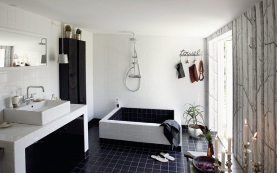 http://inhomes.ru/images/stories/cool-black-and-white-bathroom-1.jpg