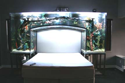 Аквариум в спальне