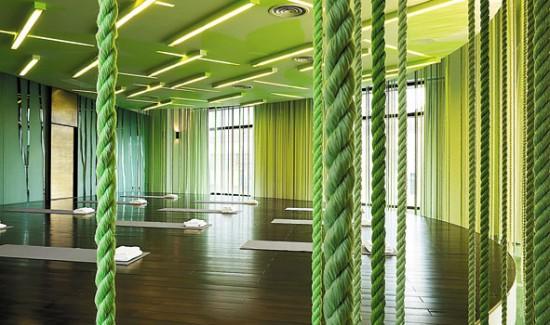 Дизайн зала для занятий йогой