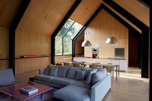 интерьер дома из дерева, фото